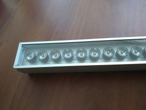 Архитектурный светодиодный линейный прожектор E-STRONG-300-10/20 Вт (с коллиматорами)